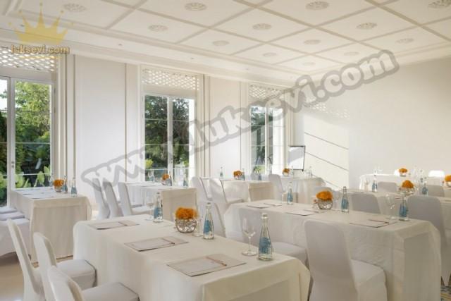 Beyaz Restoran Masa Ve Sandalye Tasarımları
