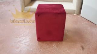 Küp Puf Modeli Kırmızı Kare Düz Sade Puf
